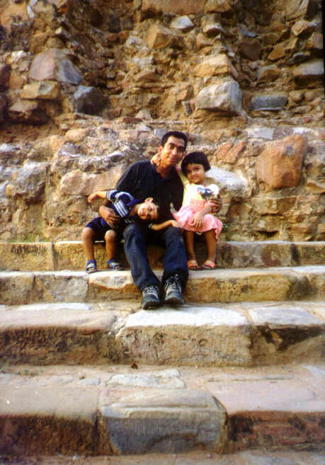 With my cousin's children in front of Alai Minar,opposite Qutub Minar in New Delhi, Sep 2001